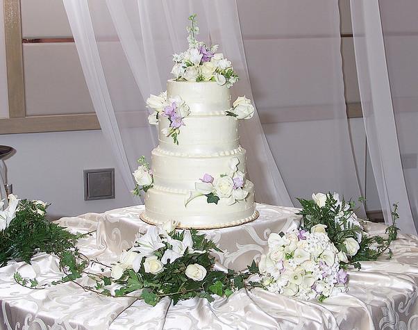 Un 39 idea originale e romantica le decorazioni floreali per - Decorazioni per matrimonio ...