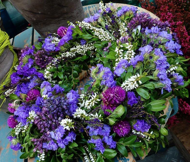 Ghirlande di fiori estivi le idee per un risultato for Fiori estivi perenni