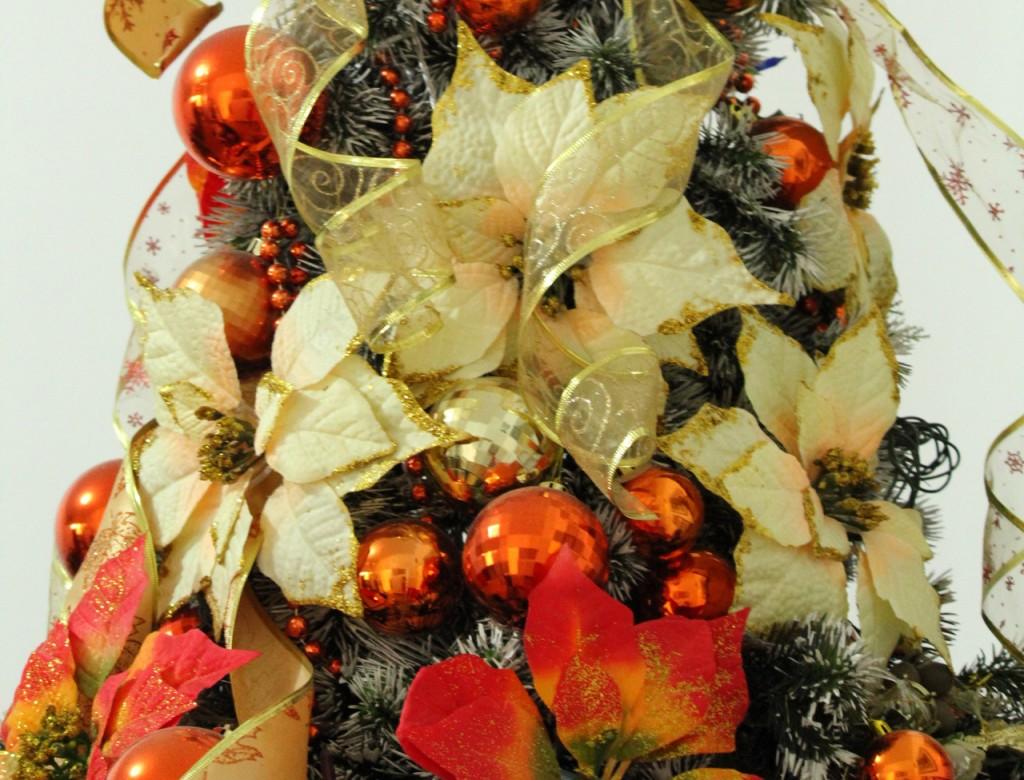 Super Tante idee per decorare l'albero di Natale con i fiori - Lombarda Flor JH45