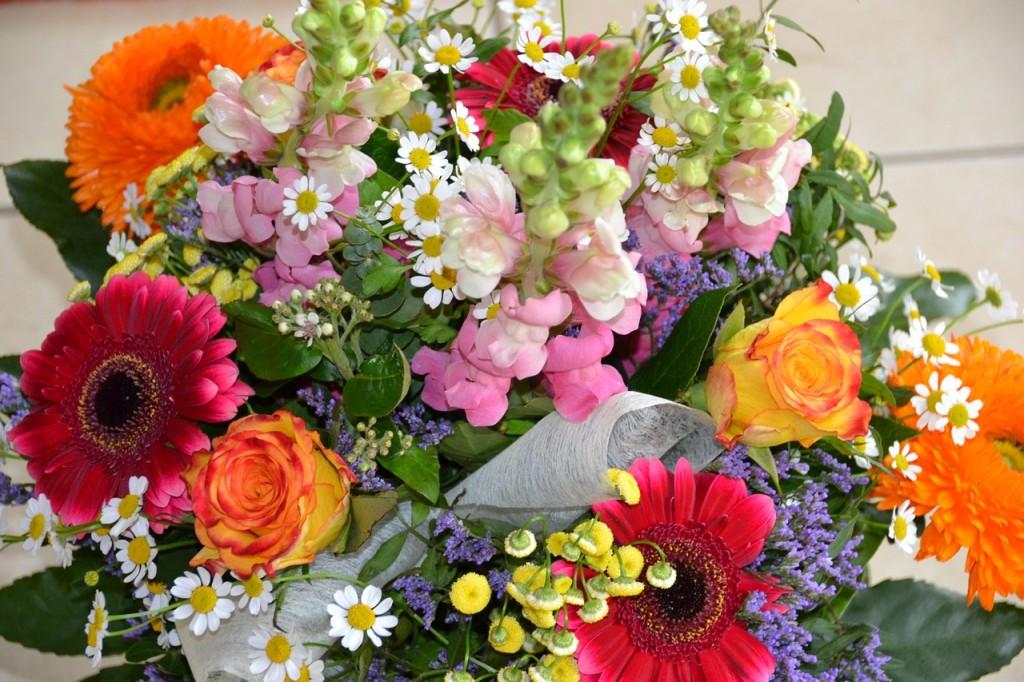 Fiori Maggio.Fiori Per Un Matrimonio A Maggio Via Libera A Rose E Orchidee