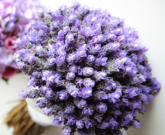 Bouquet Sposa Lavanda.I Fiori Giusti Per Un Bouquet Da Sposa Color Lavanda