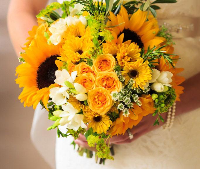 Fiori Per Bouquet Sposa Luglio.Nozze Estive Ecco I Fiori Perfetti Per Un Matrimonio A Luglio